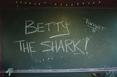 Betty The Shark – « Le surf, ça ramène la bonne mine »
