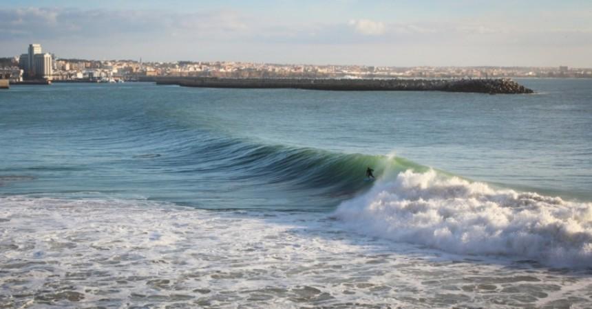 A contre courant, un autre regard sur la culture surf au Maroc