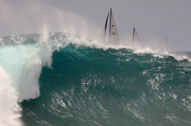 Grosses vagues en Californie : 3600 personnes secourues en un week-end !